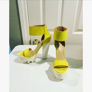 🔥Wild Diva Lounge Neon Yellow VIVE Platforms 6.5